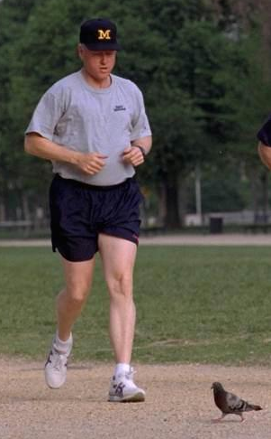 billclintonjogging.jpg