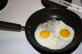 eggsfryingpan.jpg