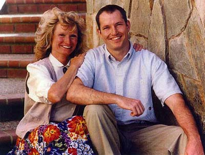 http://www.debbieschlussel.com/archives/markbingham%26mother.jpg