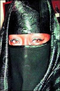 ginnah in niqab