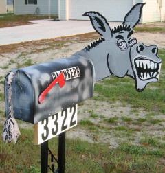 weirdmailbox2.jpg