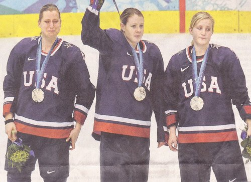 olympicwomenshockeycrybabie